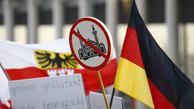 Flüchtlingskrise in Deutschland: Zahl von Rechtsextremen Verbrechen um das Zehnfache gestiegen