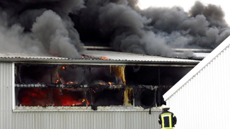 Millionenschaden wegen Großbrand im Hafen von Norderney - 22 Segelboote zerstört