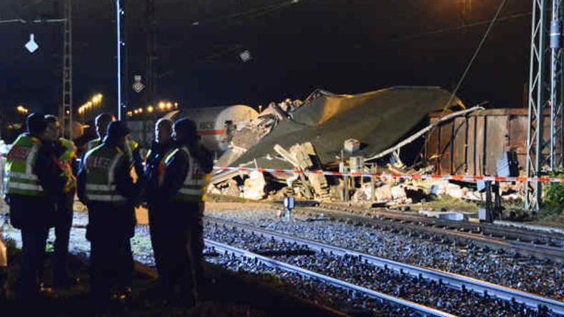 Leipzig: Güterzug mit Gefahrgut entgleist – Bahn-Mitarbeiter schwer verletzt