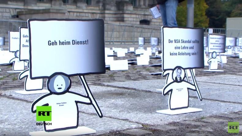 Neues BND-Gesetz: Protestaktion vor dem Reichstag