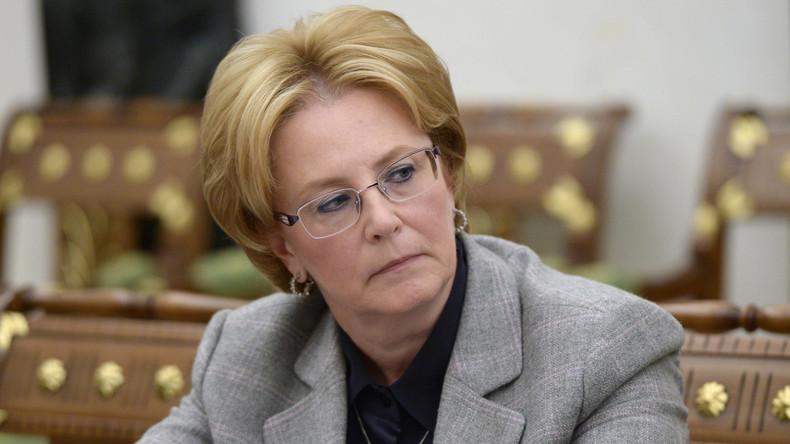 Russlands Gesundheitsministerin rettet Passagierin an Bord