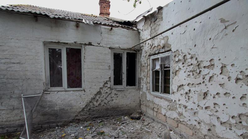Ukrainische Militärs beschießen Vororte von Donezk