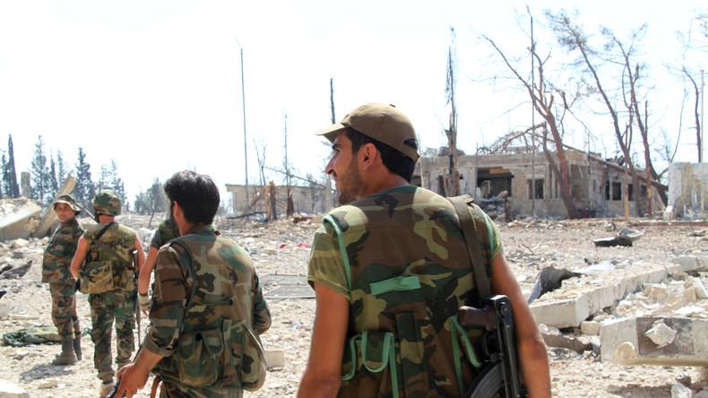 Aleppo: Syrische Armee befreit strategische Höhe von Terroristen
