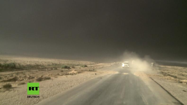 Schwarzer Himmel über Mossul – IS setzt Ölfabrik in Brand, um für Luftangriffe unsichtbar zu sein