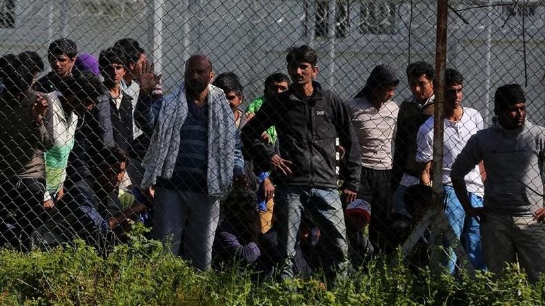 Griechenland: Flüchtlinge setzen EU-Büro für Asylfragen in Brand