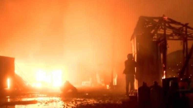 Frankreich: Großbrand im Flüchtlingscamp von Calais [Video]
