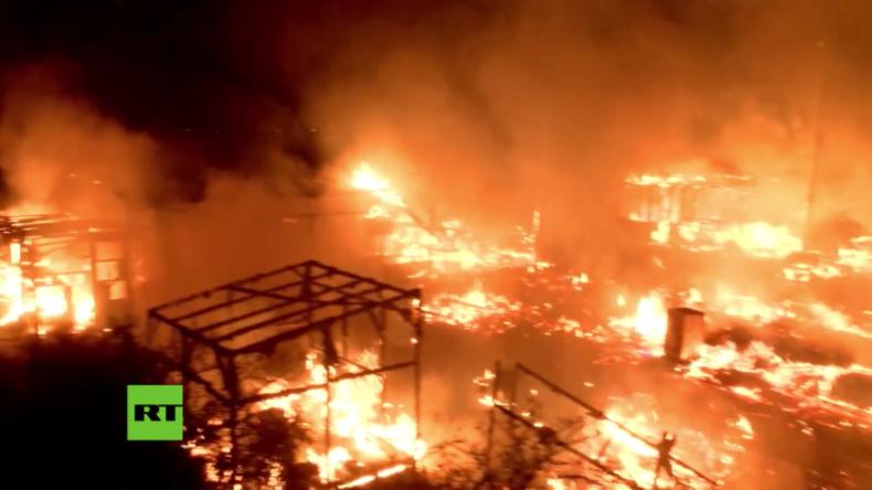 Massives Feuer im sogenannten Dschungel von Calais ausgebrochen