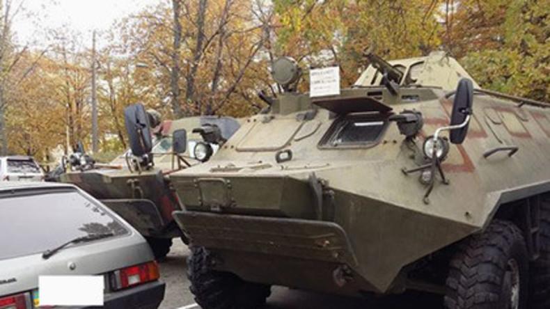 Kiew: Gebrauchte gepanzerte Kriegsgeräte im freien Verkauf