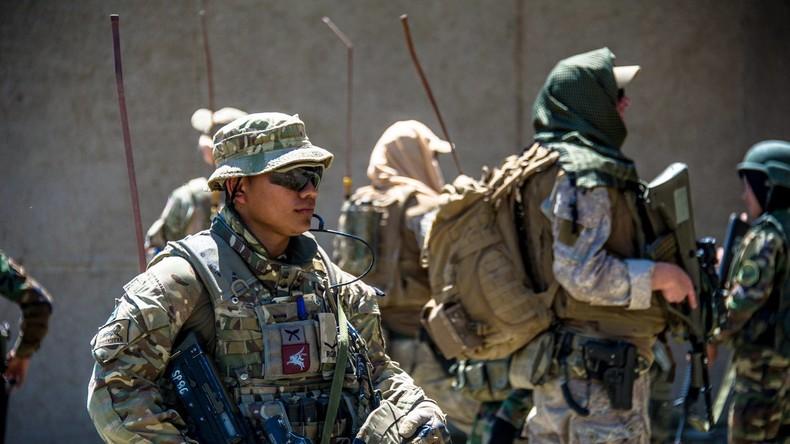 """Die britischen Streitkräfte überprüfen derzeit potenzielle Teilnehmer an einem neuen Trainingsprogramm für die """"Freie Syrische Armee"""". Bildquelle: British Army"""