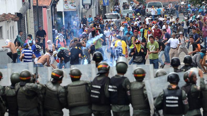 Regierungsgegner protestieren in Venezuela - Polizist tot, über 100 Bürger verletzt