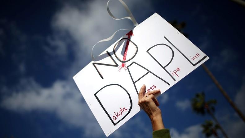 Wigwam für Clinton – US-Indianer protestieren gegen Erdöl-Pipeline