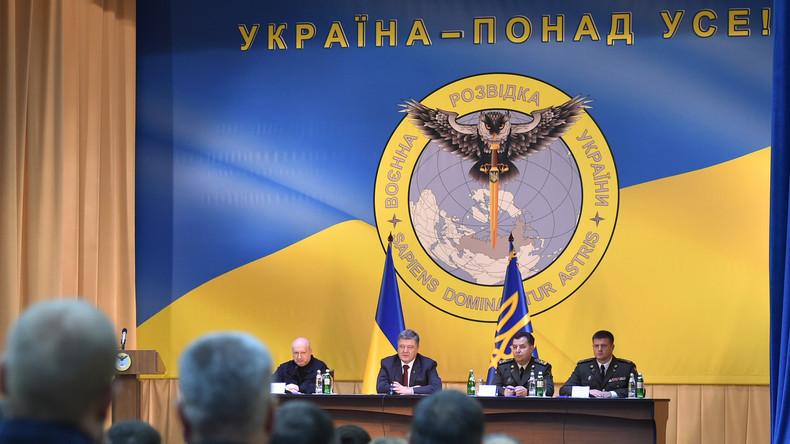 Poroschenkos Eule stößt Schwert durch Russland