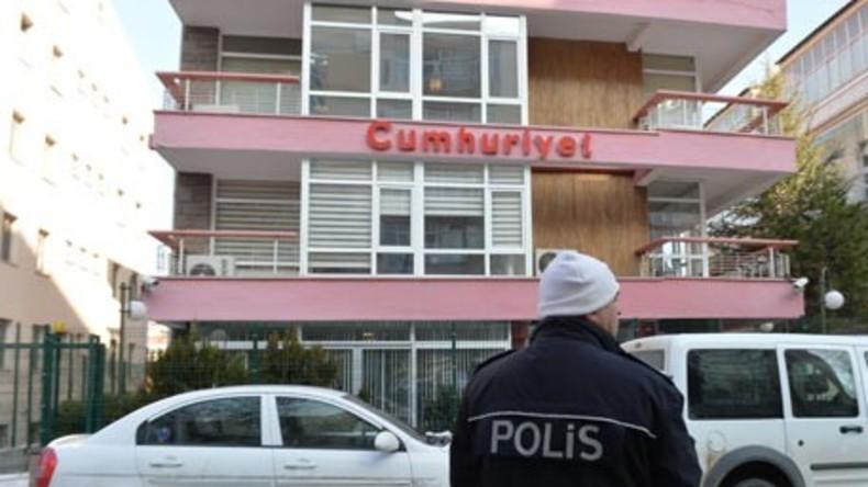 """Türkei: Chefredakteur von Oppositionszeitung """"Cumhuriyet"""" festgenommen"""