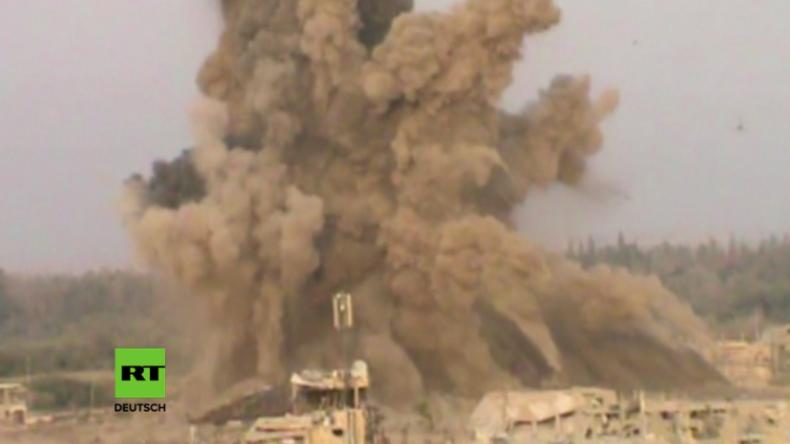 Deir ez-Zor: Syrische Armee sprengt IS-Hauptquartier mit hunderten Kämpfern in die Luft