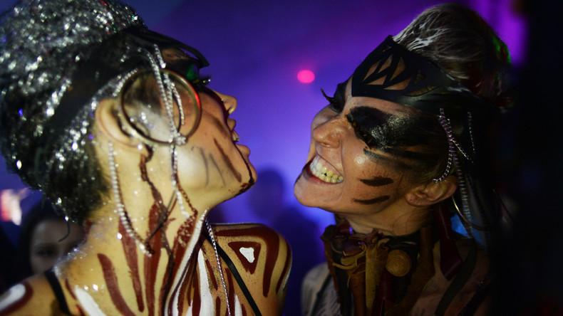 """""""Der beste Tag meines Lebens"""" -  RT Deutsch bei einer Halloween-Party in Moskau"""