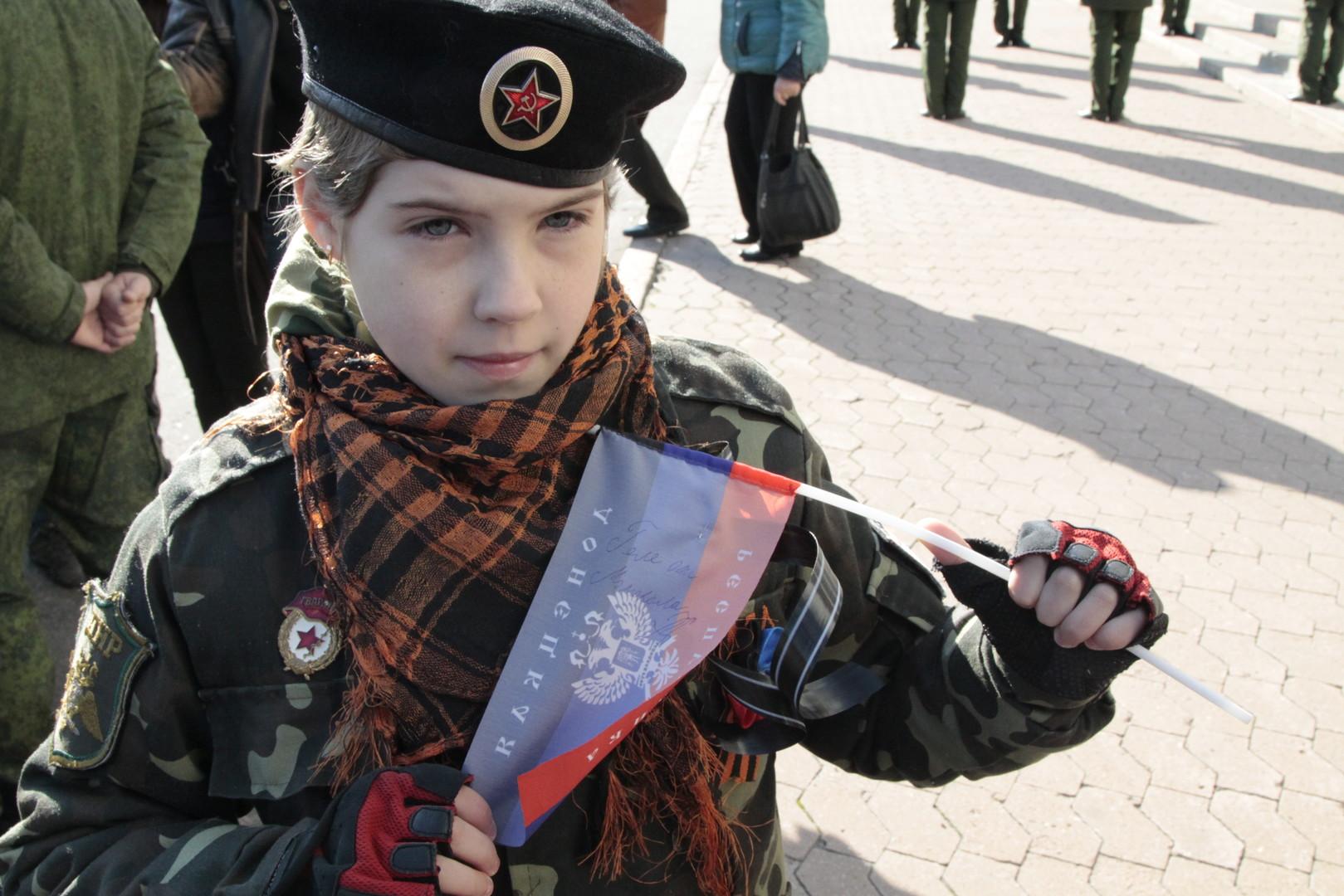 Donezk: Tausende Menschen bei Trauerfeier für Kommandant 'Motorola'