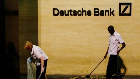 Die einst als Bollwerk soliden Finanzgebarens geltende Deutsche Bank droht zum Schrittmacher einer neuen globalen Finanzkrise zu werden.