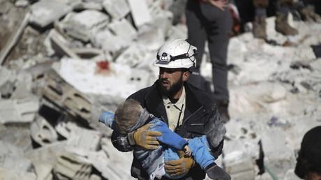 Die White Helmets im Einsatz: Bilder die um die Welt gehen  - und das nicht nur aus Zufall.