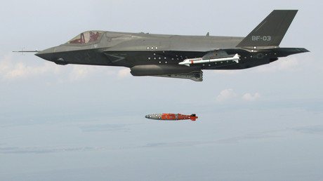 Das US-Tarnkappen-Mehrzweckkampfflugzeug F-35.