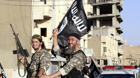 Ohne Unterstützung aus Saudi-Arabien und Katar wäre der terroristische Aufstand in Syrien längst beendet. WikiLeaks beweist nun, dass selbst US-Präsidentschaftskandidatin Hillary Clinton dieser Aspekt bewusst ist.