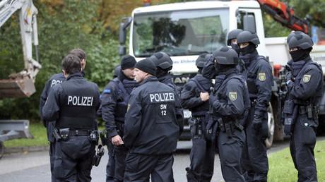 Polizei und Spezialeinheiten bei dem grotesken Sondereinsatz in Chemnitz, 6. Oktober 2016