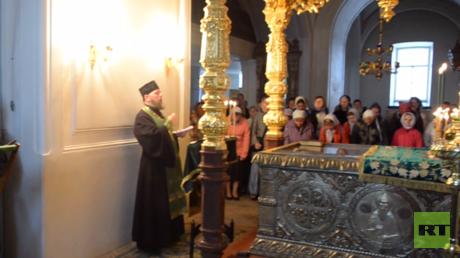 Umgeben von wunderschöner Natur: eine Messe im Kloster Walaam.