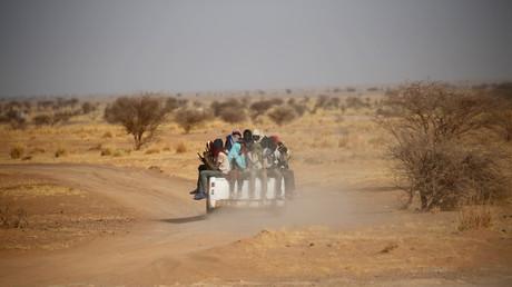 Flüchtlinge durchqueren die Sahara in Richtung Libyen; Agadez, Niger, 9. Mai 2016.