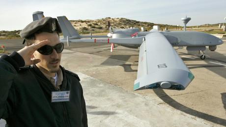 Eine israelische Heron-Drohne bei ihrer Präsentation durch die Israeli Defense Forces.