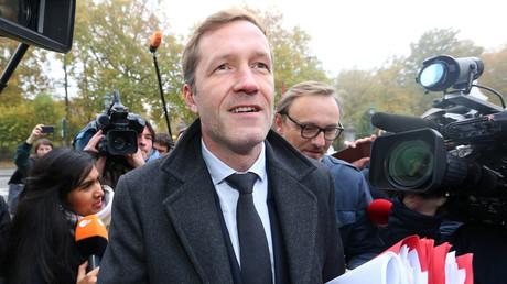 Ministerpräsident der Wallonie, Paul Magnette, ist nach Brüssel zum Treffen der belgischen Regionalvertreter gekommen