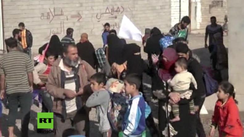 Militäroperation gegen den IS in Mossul: Unzählige Zivilisten fliehen vor Kriegsgeschehen