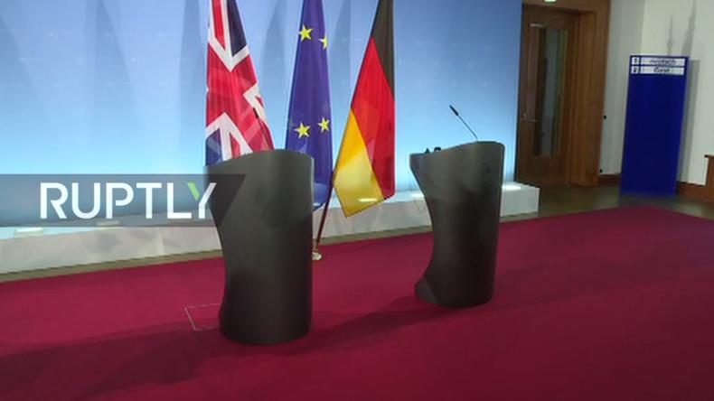 Live: Frank-Walter Steinmeier und britischer Außenminister Johnson geben gemeinsame Pressekonferenz
