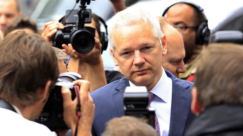 """Assange morgen exklusiv bei RT: """"Clinton und der IS werden von den gleichen Leuten finanziert"""""""