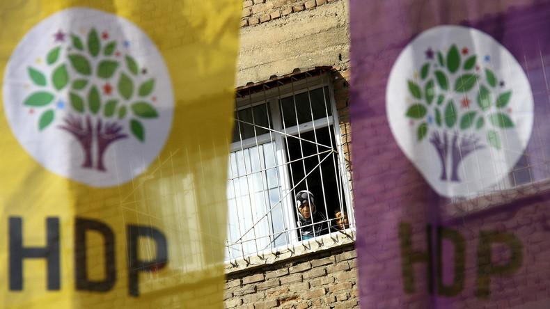 Die prokurdische HDP stellt ihre Arbeit im türkischen Parlament ein