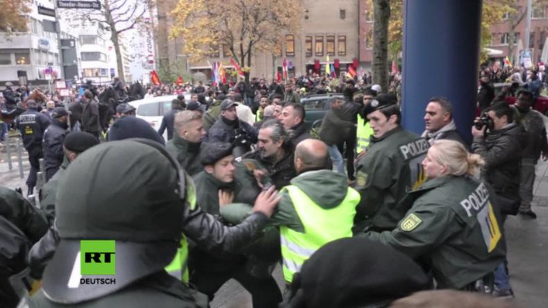 Stuttgart: Zusammenstöße bei pro-kurdischer Demonstration – Fünf Polizisten verletzt