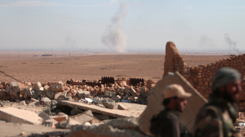 Die Türkei und die USA stimmen Plan zur Befreiung von Rakka ab