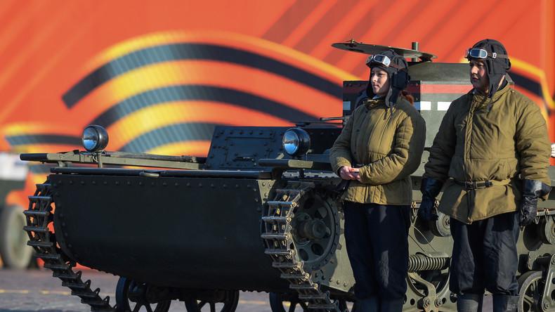 7. November in Moskau: Sowjetischer Feiertag im Wandel der Zeit
