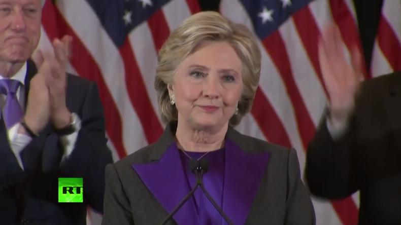 Live: Hillary Clinton tritt nach Wahl-Niederlage vor die Öffentlichkeit