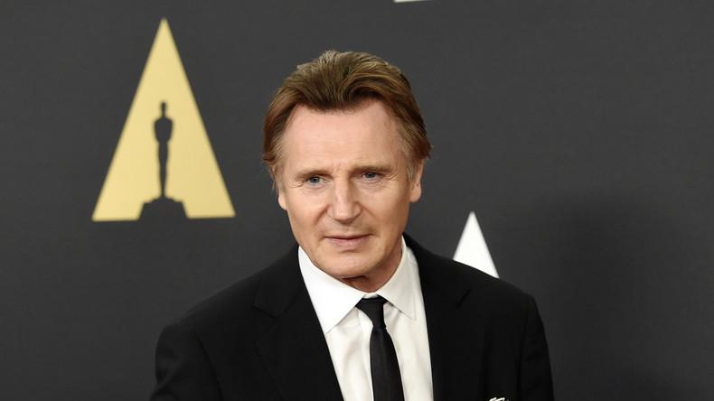Schauspieler Liam Neeson trifft sich mit syrischen Flüchtlingen in Jordanien
