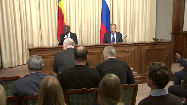 Live: Russischer Außenminister Lawrow gibt gemeinsame Pressekonferenz mit Amtskollegen aus Benin
