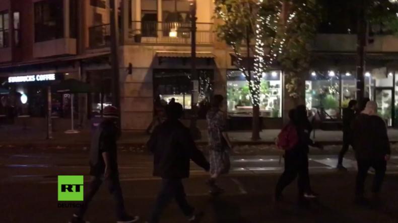 """USA: """"Friedliche Anti-Trump-Proteste"""" arten in Gewalt aus: Randalierer ziehen durch Portland"""