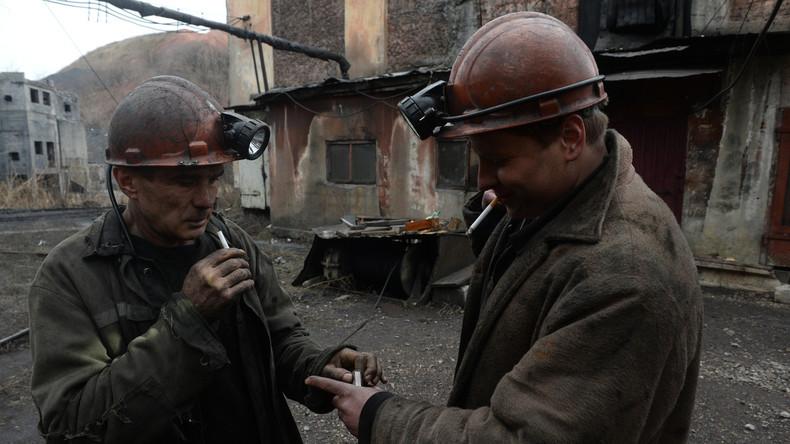 Lugansk: Mehr als 40 nach ukrainischem Beschuss unter Tage blockierte Bergwerkleute sind evakuiert