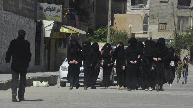 Scharia-Polizistinnen fliehen aus Mossul