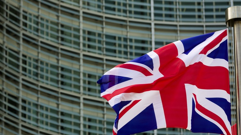 Briten könnten nach Brexit für Einreise in EU-Länder zahlen – Medien