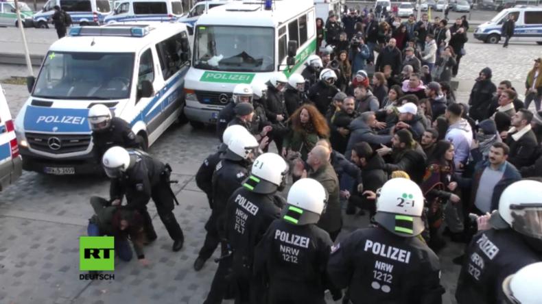 Schwere Zusammenstöße bei Anti-Erdogan-Protest in Köln