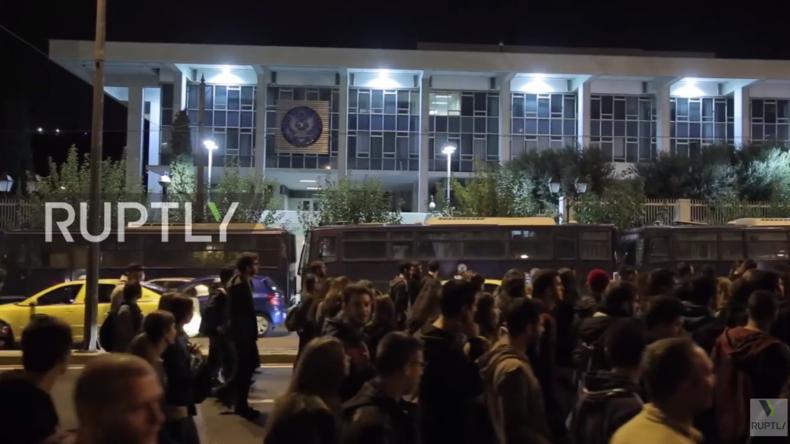 Live ab 18:00 Uhr: Obama in Griechenland – Protest gegen Besuch vor US-Botschaft in Athen