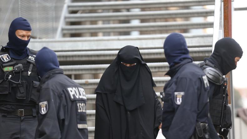 """Gewaltlose religiös-fundamentalistische Vereinigung oder Durchlauferhitzer für den Dschihadisten-Nachwuchs? Das Bundesinnenministerium hält die Vereinigung """"Die wahre Religion"""" für eine Rekrutierungsbasis der Terrormiliz """"Islamischer Staat""""."""