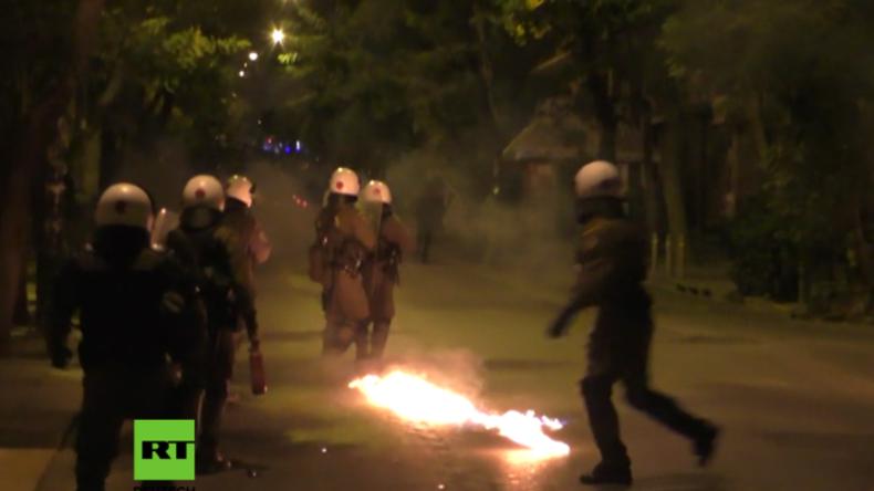 Griechenland: Molotowcocktails fliegen bei Protest gegen Obama-Besuch und US-Militärpolitik