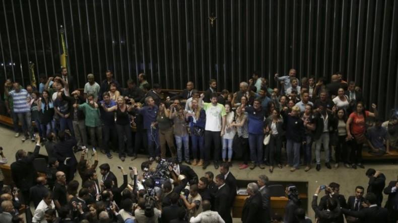 Brasilia: Dutzende Demonstranten erstürmen Nationalkongressgebäude
