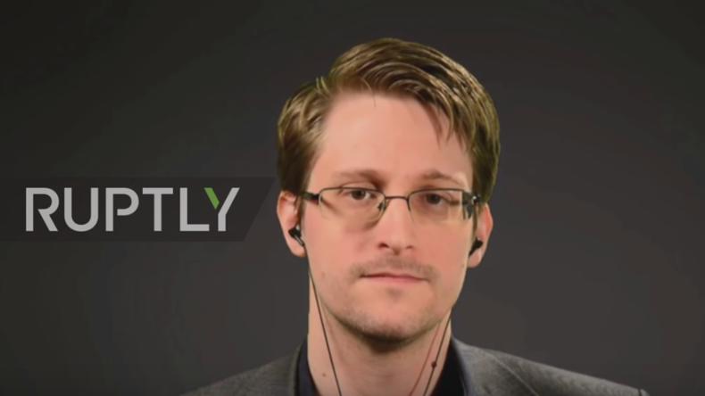 Live: Snowden erhält Ossietzky-Preis für Meinungsfreiheit und beantwortet Fragen per Videoschalte