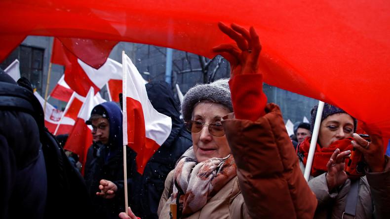 Polen: Tausende Menschen protestieren gegen Schulreform